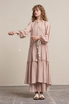 See by Chloé Resort 2018 Fashion Show Collection Fashion 2018, Fashion Week, High Fashion, Fashion Outfits, Fashion Trends, Fashion Fashion, Chloe Fashion, Womens Fashion, Dress For Summer