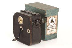 Ernemann Kinette later type 35mm hand cranked camera in original condition, fast Ernemann Ernostar 2/3.5cm no.169463 in focusing mount, folding newton finder on side, winding crank and original maker's box