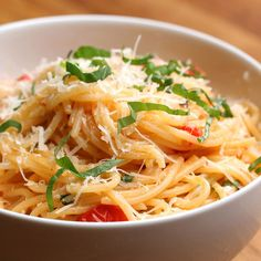 Spaghetti With Fresh Tomato Sauce Recipe by Tasty