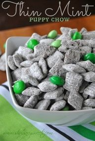 Thin Mint Puppy chow: this recipe for puppy chow tastes like the popular Thin Mint Cookies and is a great sweet snack for St. Pattys Day.