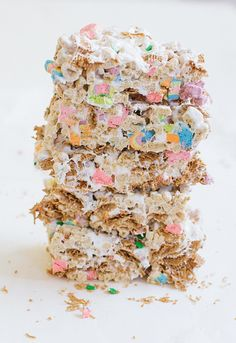 recipe for simple st. patricks day treats - cereal bars