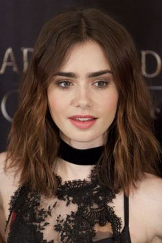Lily Collins hair and subtle makeup. She is so gorgeous