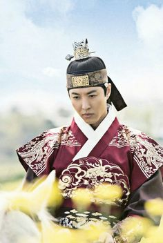 Queen for Seven Days (Hangul: 왕비; 7 Day Queen) is a South Korean television series starring Park Min-young as the titular Queen Dangyeong of Joseon, with Yeon Woo-jin and Lee Dong-gun. It airs on 연산군 이동건 Korean Drama Movies, Korean Actors, Queen For Seven Days, Yeon Woo Jin, Park Min Young, Traditional Fashion, Drama Film, Korean Outfits, Handsome Boys