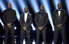 AP Photo: Los jugadores de NBA, de izquierda a derecha, Carmelo Anthony, Chris Paul, Dwyane Wade y LeBron James hablan en el escenario durante los Premios ESPY en el Teatro Microsoft, el miércoles 13 de julio de 2016 en Los Ángeles. (Foto by Chris Pizzello/Invision/AP)
