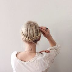 Johnna Holmgren | My hair is finally long enough to do a braided crown and I think I am officially obsessed. I wish I could remarry Max and have this be my wedding hair.