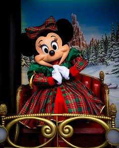 Minnie Mouse in a beautiful Christmas dress. Disneyland Paris Christmas, Disney Very Merry Christmas, Parc Disneyland, Disney World Christmas, Disney Holidays, Disney Fan, Disney Dream, Disney Love, Disney Magic