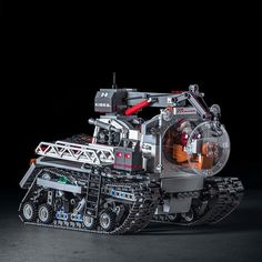 Santa Claus has started his long route to Christmas on his Prinoth Arctic Crawler done with lego bricks. In the next days, he will collect. Santa Claus has Lego Mecha, Robot Lego, Lego Spaceship, Technique Lego, Instructions Lego, Lego Craft, Lego Military, Lego Modular, Lego Worlds