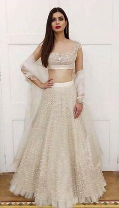 White lehenga - All About Indian Bridal Outfits, Indian Designer Outfits, Indian Dresses, Designer Dresses, Lehenga Choli Designs, Indian Lehenga, Lehenga White, Shaadi Lehenga, Indie Mode