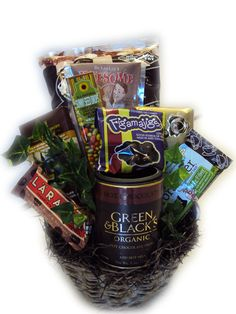 Dark Chocolate Lover's Healthy Gift Basket for Christmas--chocolate is full of antioxidants! Birthday Gift Baskets, Christmas Gift Baskets, Chocolate Treats, Chocolate Lovers, Gift Baskets For Men, Basket Gift, Chocolate Benefits, Healthy Birthday, Gifts For Hubby