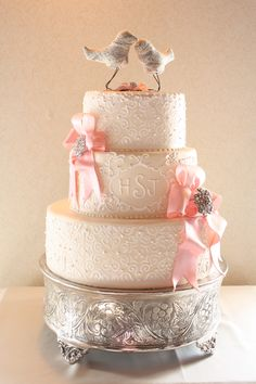 Vintage wedding cake with brooch