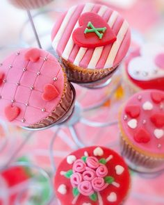 Immensely lovely red, white and pink cupcakes that are perfect for Valentine's Day, a wedding or anniversary