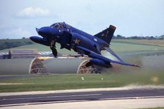 There were two all-blue RAF Phantoms - XT 899 was 19 Sqn and XV 408 was 92 Sqn. Fighter Aircraft, Fighter Jets, Mcdonald Douglas, Post War Era, Air Machine, F4 Phantom, Blue Angels, Royal Air Force, Jet Plane