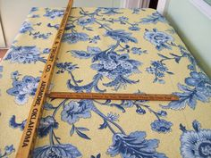 Recommends a cornice that is 1/5th the height of the window Pecan Corner: How To Make a Padded Upholstered Cornice Board