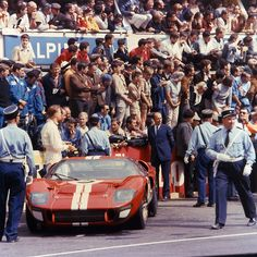 The Story Of The Ford Gt Told By  Rare Photos