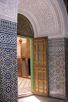 doorway Telouet by arabrabwl. Click to visit the source and view more images.