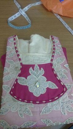Nl Chudidhar Neck Designs, Kids Blouse Designs, Neck Designs For Suits, Neckline Designs, Dress Neck Designs, Sleeve Designs, Salwar Neck Patterns, Neck Patterns For Kurtis, Salwar Kameez Neck Designs