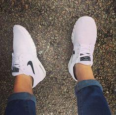 Keep it fresh in the Nike Skateboarding Stefan Janoski Max white trainers c/o @_foreverandaday