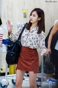 Korean Fashion Trends you can Steal – Designer Fashion Tips Korean Fashion Trends, Kpop Fashion, Fashion 2017, Asian Fashion, Fashion Online, Airport Fashion, Style Fashion, Petite Fashion, Curvy Fashion