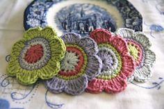 Items similar to Set of 4 pcs Organic Cotton Crochet Flower Appliques in Lime, Bilberry, Raspberry and Glacier on Etsy Crochet Puff Flower, Crochet Flower Patterns, Flower Applique, Crochet Designs, Crochet Flowers, Unique Crochet, Love Crochet, Crochet Motif, Beautiful Crochet