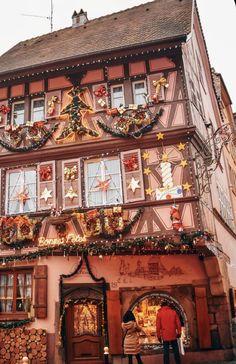 Christmas In Europe, Cosy Christmas, Christmas Time Is Here, Christmas Travel, Christmas Scenes, Little Christmas, Christmas Photos, All Things Christmas, Christmas Lights
