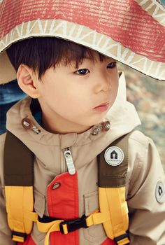 The 'Superman is Back' triplets are the most adorable adventurers for 'Skarbarn' Cute Asian Babies, Cute Babies, Outdoor Clothing Brands, Triplet Babies, Superman Kids, Korean Tv Shows, Man Se, Song Daehan, Song Triplets
