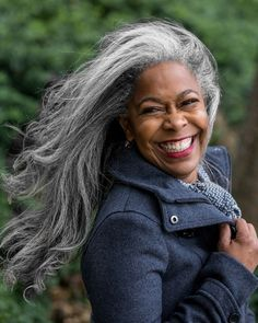 New hair grey silver aging gracefully 24 ideas White Hair, Black Hair, Pelo Color Gris, Curly Hair Styles, Natural Hair Styles, Natural Beauty, Long Gray Hair, Silver Grey Hair Gray Hairstyles, Grey Hair Over 50