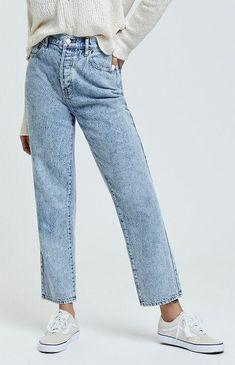 Fashion Models, Fashion Outfits, Punk Fashion, Lolita Fashion, Blue Mom Jeans, Jeans Boyfriend, Jean Straight, Outfit Jeans, High Rise Jeans