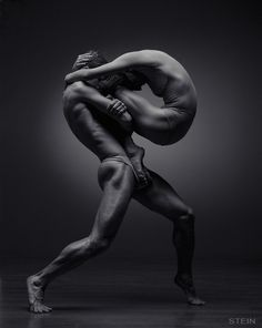 Inspiration: Incredible ballet and dance photography by Russia-based photographer Vadim Stein. Dance Photography, White Photography, Motion Photography, Art Ballet, Ballet Dancers, Ballerinas, Ballet Body, Poses References, Dance Movement