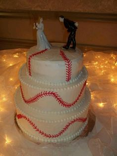 Baseball wedding cake!