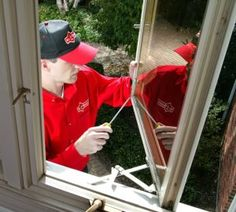 11 Home DIY Projects to Avoid. Hmmm things to bear in mind? Home Window Repair, Room Additions, Home Repairs, Window Sill, Home Projects, Home Improvement, Take That, Hollywood, Beverly Hills