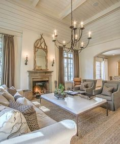Awesome Southern Style Home Decor Ideas. If you are looking for Southern Style Home Decor Ideas, You come to the right place. Below are the Southern  Formal Living Rooms, Home Living Room, Living Room Designs, Living Room Decor, Living Spaces, Classy Living Room, Dining Rooms, Style At Home, Sala Grande