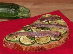 Recette Bruschetta courgettes / anchois (ou lardons), par 1, 2, 3, 4 filles aux fourneaux - Ptitchef