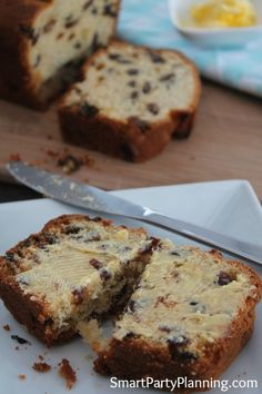 Smart Party Planning - Partys, Rezepte und Ausdrucke - Miller is Home Quick Fruit Cake, Fruit Cake Loaf, Fruit Loaf Recipe, Loaf Recipes, Easy Cake Recipes, Sweet Recipes, Baking Recipes, Dessert Recipes, Fruit Cakes