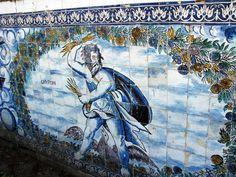Керамические панно на фасадах дворца маркизов де Фронтейра в Лиссабоне