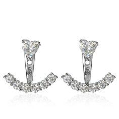 Diamonique, orecchini componibili in argento 925 placcati rodio. Sono composti da un orecchino solitario, con diamonique a cuore, e da un elemento ad ancora removibile, impreziosito da diamonique tondi. Mirabili e lucenti.