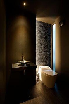 或る住宅地のヴィラⅡ: MooS/ムースが手掛けた浴室です。
