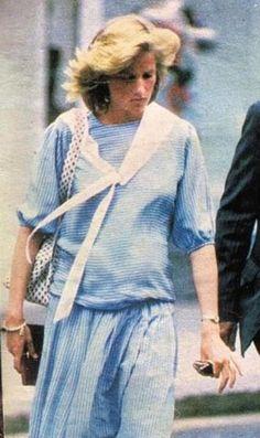 Diana out shopping at Harvey Nichols 1984