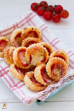 Holiday Appetizers, Appetizer Recipes, Snack Recipes, Snacks, I Love Food, Good Food, Antipasto, Best Italian Recipes, Romanian Food