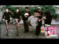 Benny Hill - Musical Mayhem (The Transistor Radio) Benny's take on policewoman arrests! Benny Hill, Love Machine, Transistor Radio, British Comedy, Classic Tv, Ufo, Video, Star Trek, Tv Series