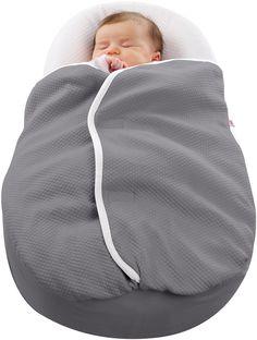 La couverture bébé Cocoonacover est spécialement conçue pour être utilisé avec le cocoonababy. Douce par sa matière coton léger, elle offre au nouveau-né un incroyable confort et aussi une grande sécurité car la bouche et le nez restent dégagés. #