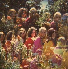New Vintage Aesthetic Retro Ideas 1970s Aesthetic, Aesthetic Vintage, Music Aesthetic, Aesthetic Grunge, 70s Hippie, Hippie Vibes, Hippie Art, Fotografia Retro, Vintage Vibes
