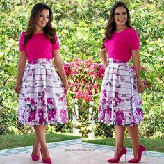 Saia Midi Floral com pregas, Moda evangélica 2016. Bom gosto, roupas modestas definem o bom gosto da mulher cristã !