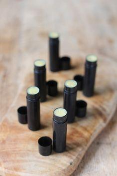 DIY: chocolate lip balm