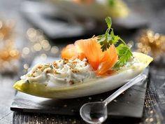 Avec les lectrices reporter de Femme Actuelle, découvrez les recettes de cuisine des internautes : Endive croquante, saumon et mousse de ricotta