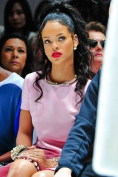 {Grow Lust Worthy Hair FASTER Naturally} www.HairTriggerr.com        Rihanna...Talk About Pretty in Pink!!!