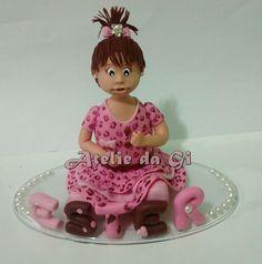 Boneca personalizada em biscuit/ porcelana fria. Por www.ateliedagi.blogspot.com