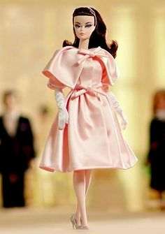 Collecting Fashion Dolls by Terri Gold Pink Fashion, Vintage Fashion, Fashion Outfits, Fashion Royalty Dolls, Fashion Dolls, Barbie Dress, Pink Barbie, Pink Doll, Vintage Barbie Clothes