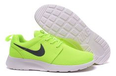 Timberland Euro Sprint, Nike Air Max Plus, Air Jordan 3, Nike Roshe Run, Nike Air Jordan Retro, Nike Air Huarache, Nike Dunks, Sky High, Huaraches