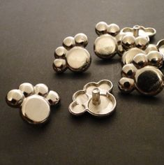 RIVETS  PUPPY PAW PRiNT Snap Rivets  6mm  QUANTiTY by Stampadoodle, $4.25