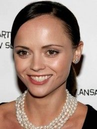 Famous Aquarians: Celebrities with Aquarius star sign - Christina Ricci Famous Aquarians, Lucky Colour, Lucky Number, Christina Ricci, Saved By Grace, Popular Music, Film Industry, Female Singers, Aquarius